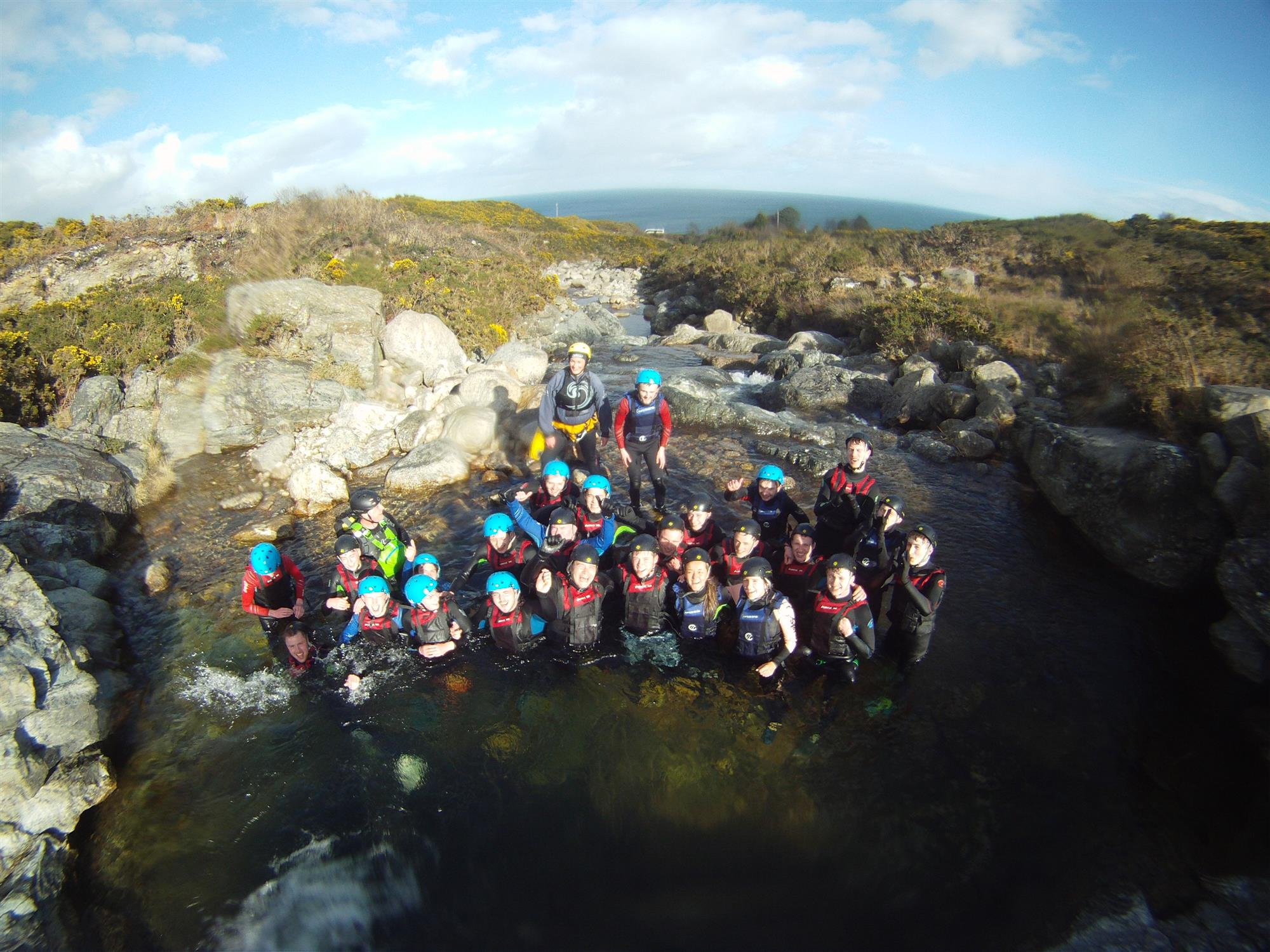 Youth-group-water-bouldering